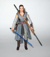 rey jedi training star wars the black series 6 inch action figure #44 the last jedi wounded right arm version variant hasbro 2017 l (tjparkside) Tags: rey jedi training wounded right arm variant version star wars black series 6 inch action figure 44 last hasbro 2017 episode eight 8 viii tlj bo staff blaster pistol lightsaber hilt blue grey luke skywalker ahchto ahch basic figures