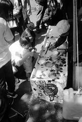 第48回常盤平さくらまつり(5) (48th tokiwadaira cherry-blossom festival 5) (Dinasty_Oomae) Tags: rollei35 rollei ローライ35 ローライ 白黒写真 白黒 monochrome blackandwhite blackwhite bw outdoor 千葉県 千葉 chiba 松戸市 松戸 matsudo sakura サクラ 桜 cherryblossom street 常盤平 tokiwadaira 露店 streetstall 祭 festival