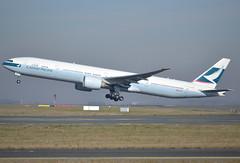 B-KPK, Boeing 777-367(ER), 36158 / 783, CX-CPA-Cathay Pacific Airways, CDG/LFPG 2019-02-16, off runway 27L. (alaindurandpatrick) Tags: 36158783 bkpk 777 773 777300 boeing boeing777 boeing777300 jetliners airliners cx cpa cathay cathaypacific cathaypacificairways airlines cdg lfpg parisroissycdg airports aviationphotography