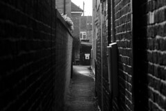 Alley way (Lincs camera man) Tags: canon canon700d camera photo lincoln lincolnshire alley