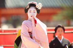 Maiko performance (Teruhide Tomori) Tags: kyoto japon japan heianjingushrine maiko performance tradition festival kimono stage 舞妓 京都 伝統 日本 着物 舞台 lady 踊り dance portrait event 平安神宮