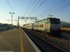 E655.271 [91 83 2655 271-1 I-TI] (Davide FR AV 9597) Tags: natural nature natura treno train light luce sunset tramonto effetto 655 caimano ic inter city puglia apulia like fav xp ritardo delay bridge
