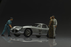 M-088-9 (Stirling_Moss) Tags: cmc 118 m088 mercedesbenz 300slr uhlenhautcoupe diorama tabletopphotography focusstacking productphotography figurenmanufaktur figurines