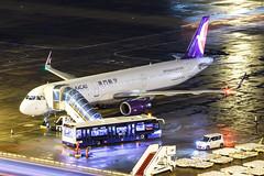 AIR MACAU A321-232(WL) B-MCD 004 (A.S. Kevin N.V.M.M. Chung) Tags: aviation aircraft aeroplane airport airlines airbus plane apron macauinternationalairport mfm spotting beacon raining a321 a321ceo