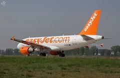 Airbus A319-111 G-EZBB easyJet Airline (diegoavanzi) Tags: milano linate aeroporto airport airplane plane aereo italia italy eos7d airbus a319