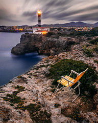 Vistes al far (Ramon InMar) Tags: lighthouse faro far mallorca portocolom rocas rocks roques seashore seascape acantilado penyassegat silla cadira chair views vistas mar sea mediterranean mediterrani mediterraneo longexposure largaexposicion balears baleares cliff