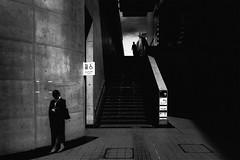 S0480146A Urban space (soyokazeojisan) Tags: japan osaka city street people bw blackandwhite monochrome digital fujifilm xq2 2019