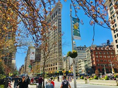 norland d. cruz photography: a gorgeous spring day in flatiron district, nyc (norlandcruz74) Tags: flatironbuilding manhattan newyork newyorkcity iphotography iphoto iphone american filipino pinoy norlandcruz 2019 april springday spring nyc ny flatirondistrict