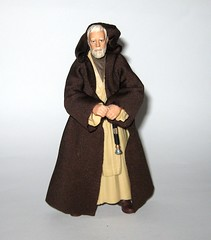obi wan kenobi star wars the black series 6 inch action figure #32 a new hope hasbro 2015 j (tjparkside) Tags: ben obi wan obiwan kenobi 32 star wars sw tbs black series 6 six inch action figure figures hasbro 2015 ep episode iv four 4 2016 red package disney lightsaber hilt blade weapon weapons cloak jedi robe hood sir alec guinness misb anh tatooine luke skywalker basic darth vader death duel new hope
