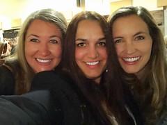 Selfie  with gorgeous ladies 😘 #marinelapavletich #pavletichmarinela #beauty #bakersfield #inspire #selfie (maripavletich) Tags: marinelapavletich pavletichmarinela beauty bakersfield inspire selfie