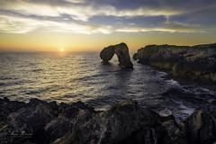 Castro de las gaviotas (H.M.MURDOCK) Tags: llanes asturias mar amanecer rocas paisajes nikon d610