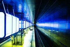 Underground (bhermann.hamburg) Tags: ubahn hamburg hafencity undergroundstation blau blue gruen green licht light