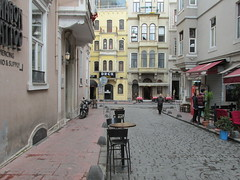 Istanbul Street Scene (lazy south's travels) Tags: istanbul turkey turkish road street scene candid outside table restaurant bar back building architecture
