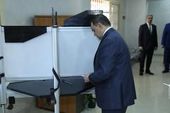 وزير الداخلية يدلي بصوته في التعديلات الدستورية (newslek) Tags: مصر النهاردة image