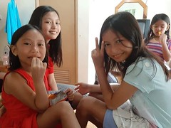 family and friend (ghostgirl_Annver) Tags: asia asian girl annver ashley teen preteen child kid daughter sister friend family group happyplanet asiafavorites