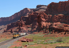 A Must See (jamesbelmont) Tags: unionpacific potashlocal canecreeksubdivision emkay sevenmile archesnationalpark emd gp40m2 gp60 intrepidpotash potash train railroad railway locomotive