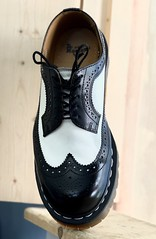 Just one! (Pahz) Tags: hereios werehere wah wh oneshoe shoe drmartens dm docs drmartensbrogues bouncingsoles