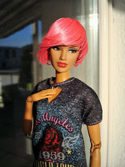 Jaeme with another wig (Deejay Bafaroy) Tags: fashion royalty integrity toys doll puppe jaeme jaemecostas problemchild barbie portrait porträt wig perücke cultedeparis pink rosa black schwarz
