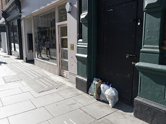 20190420T15-28-03Z (fitzrovialitter) Tags: peterfoster fitzrovialitter city camden westminster streets urban street environment london fitzrovia streetphotography documentary authenticstreet reportage photojournalism editorial daybyday journal diary captureone olympusem1markii mzuiko 1240mmpro microfourthirds mft m43 μ43 μft ultragpslogger geosetter exiftool england gbr geo:lat=5151761000 geo:lon=014188000 geotagged oxfordcircus unitedkingdom rubbish litter dumping flytipping trash garbage cosinavoigtländernokton175mmf095