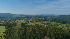 Bavarian-Forest-2018_13 (rhomboederrippel) Tags: rhomboederrippel fujifilm xe1 september 2018 europe germany bavaria nationalpark bayerischer wald neuschönau baumwipfelpfad treetopwalk blue green sun sky clear panorama