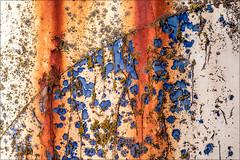 Time creates art (Eva Haertel) Tags: eva haertel canon5dmarkiii stadt city wand wall detail rost rust farbe color paint blau blue struktur structure bogen bow geometrie geometry macro texture textur abstract abstrakt