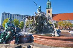 18.04.2019 15-43-2000 (TheFan1968) Tags: berlin mitte alexanderplatz brunnen neptunbrunnen