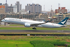 B-LXH Cathay Pacific Airways Airbus A350-1041 (阿樺樺) Tags: blxh cathaypacificairways airbus a3501041