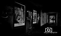Lumières et tunnel (eln_photographies) Tags: paris nb bw lingerie photographie photographer simone pérèle elnphotographies france reflet perspective fujifilm publicité lumière