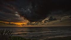 Entre nubes de tormenta (Fotgrafo-robby25) Tags: alicante amanecer costablanca marmediterráneo nubes sol sonyilce7rm3