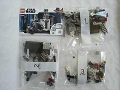 75229 - Content (fdsm0376) Tags: lego set review 75229 death star escape wars leia princess organa luke skywalker stormtrooper mouse droid