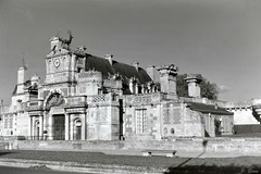Le Château d'Anet (Philippe_28) Tags: anet 28 france eureetloir centrevaldeloire château castle europe renaissance voigtländer bessa rf heliar medium moyen format 120 6x9 argentique analogue camera folding soufflet photography photographie