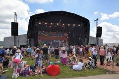 143-20180602_14th Wychwood Music Festival-Cheltenham-Gloucestershire-Main Stage-The Bar-Steward Sons Of Val Doonican on stage (Nick Kaye) Tags: wychwood music festival cheltenham gloucestershire england
