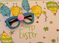 ...Happy Easter... - Explored (cegefoto (Coming back slowly)) Tags: 119picturesin2019 pasen easter placemat bril glasses funny