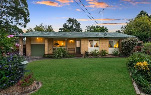 4 Trevor Pl, Castle Hill NSW 2154