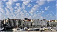 NUBES DE ALGODÓN (Angelines3) Tags: cielo nwn nubes ciudad edificios santander puertochico barcos martesdenubes