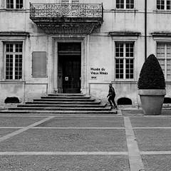 Musée du vieux Nîmes (lesphotosdepatrick) Tags: acros fujifilm fujixlovers fujix100f nimes nimestourisme streetphotography candidphoto candidshot musee stairs escalier