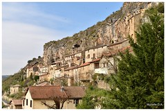 Village de Peyre. Aveyron. France. (murielle1957) Tags: village aveyron peyre falaise tuf