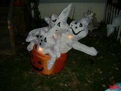 Halloween Decorations (StreetsOfHamilton) Tags: hamilton ontario canada hamiltonontario ontariocanada hamiltonontariocanada halloween halloweendecorations ghost ghosts pumpkin ghostsinapumpkin pumpkininflatable
