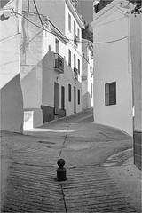 Streets of Monda (K.Pihl) Tags: pellicolaanalogica spain hc110b monda overexposedoverdeveloped analog monochrome blackwhite schwarzweiss bw kodaktrix400200 film olympusom4 zuiko28mmf28