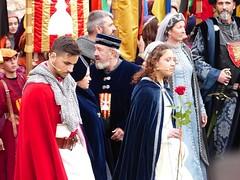 Sant Jordi 2019 (169) (calafellvalo) Tags: jordilibrorosasrosejorgegeorgebookcalafellvalo díadellibro diadesantjordi sanjorge saintgeorge shakespeare cervantes calafellvalo garcilaso rosasrojas montblanc llegendadesantjordi books princesas príncipes amor love roses catalonia spain nobleza