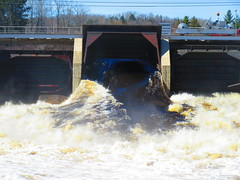 IMG_4818 4-23-2019 (PGK88) Tags: dam spillway floodgate water openfloodgate taintergate damgate spillwaygate flow river runoff flood floodgates spring springtime architecture structure hydroelectric industrial 2019