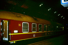 Leipzig (Germany) Hauptbahnhof, 15 Feb 1999 (midgpee) Tags: leipzig germany db railways railwaystations stations trains sleepingcars mitropa deutschland bahnhof hauptbahnhof schlafwagen