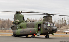 Royal Canadian Air Force | CH-147F Chinook | 147302 | YQB (tremblayfrederick98) Tags: boeing helicopter airforce army yqb chinook ch147chinook ch147 arc rcaf
