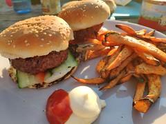 Hamburger with sweet potato (mark_heinis) Tags: bbq kamado salmon zalm asperges hamburger smoked goodness food
