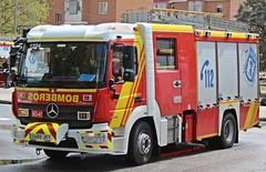 Bomberos Madrid (emergenciases) Tags: emergencias españa 112 madrid comunidaddemadrid explosiónvallecas vallecas puentedevallecas bomberos bomberosayuntamientodemadrid bomberosmadrid vehículo autobomba bup bombaurbanapesada mercedes mercedesbenz atego bomba bo41 tetuán parque4