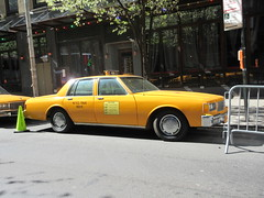 Yellow 1970s Chevrolet Caprice Taxi Cab NYC 6920 (Brechtbug) Tags: yellow 1970s chevrolet caprice taxi cab 45th street manhattan vintage 1970 70s 80s 1980 1980s type car cabs near times square midtown new york city 2019 april spring 04242019 nyc boxy old older
