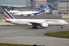 Air France | Boeing | 777-228(ER) | F-GSPS (TFG Lau) Tags: vhhh hkia hkg hongkong hongkonginternationalairport shalowan airplane aeroplane aircraft aviation plane planespotting spotting canon canoneos eos eos5d ahkgap airfrance afr af boeing boeing777 b777 b772 b77e 777 fgsps skyteamalliance skyteam