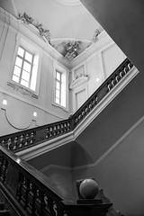 (Laetitia.p_lyon) Tags: fujifilmxt2 lyon muséedesbeauxarts mbalyon mba commba escalier escaleras stairs noiretblanc nb blackandwhite bnw bw monochrome monochromatic