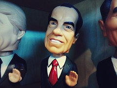 Richard Nixon (Cragin Spring) Tags: milwaukee milwaukeewi milwaukeewisconsin midwest unitedstates usa unitedstatesofamerica wisconsin wi bobblehead bobbleheads president nixon richardnixon