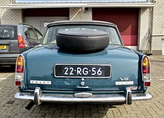 22-RG-56 ROVER P6 3500 V8 Saloon MK2 Automatic 1977 (ClassicsOnTheStreet) Tags: 22rg56 rover p6 3500 v8 saloon mk2 automatic 1977 roverp6 rover3500 p63500 bache bashford king spenking gordonbashford davidbache 8cylinder 8cilinder brits british 70s 1970s sedan pkw berline classiccar classic oldtimer klassieker veteran oldie classico gespot spotted carspot amstelveen bedrijventerreinlegmeer bouwerij 2019 straatfoto streetphoto streetview strassenszene straatbeeld classicsonthestreet cwodlp onk rg